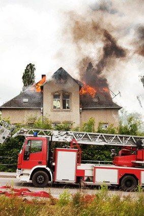 Die richtige Versicherung kann Existenzen retten. © Edler von Rabenstein - Fotolia.com