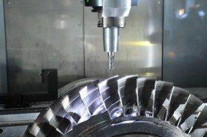 Metallbearbeitung in ihrer höchsten Präzision. © Alterfalter - Fotolia.com