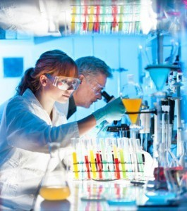 Machen Sie das Mikroskop zu Ihrem Arbeitswerkzeug! © kasto - Fotolia.com