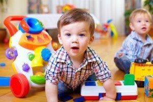 Sozialpädagogische Assistenten beschäftigen sich hauptsächlich mit Kleinkindern. © olesiabilkei - Fotolia.com