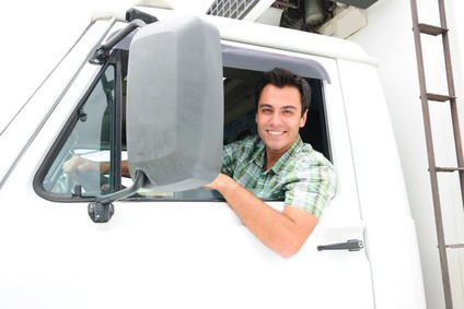 """Immer """"on the road"""": LKW-Fahrer. © mangostock - Fotolia.com"""