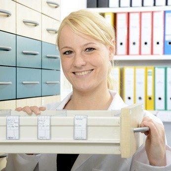 Der häufigste Arbeitsort der PTA ist die Apotheke. © Dan Race - Fotolia.com