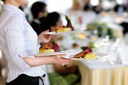 Tätigkeiten in der Gastronomie sind meist anstrengend und schlecht bezahlt.
