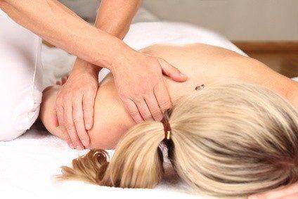 Osteopathie ist viel mehr als nur Massage... © RioPatuca Images - Fotolia.com