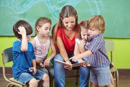 Wem die Arbeit mit Kindern Spaß macht, für den ist Erzieher oft der Traumberuf schlechthin.