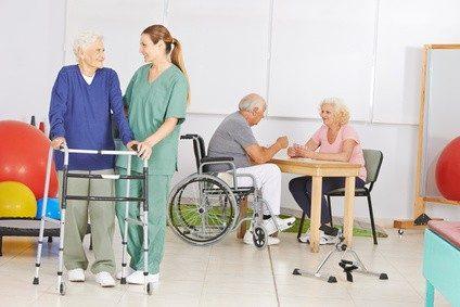 Physiotherapeuten arbeiten beispielsweise in Kurkliniken.