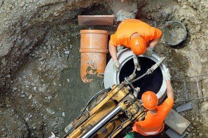 Fachkräfte für Abwassertechnik werden vor allem von kommunalen Betrieben angestellt.