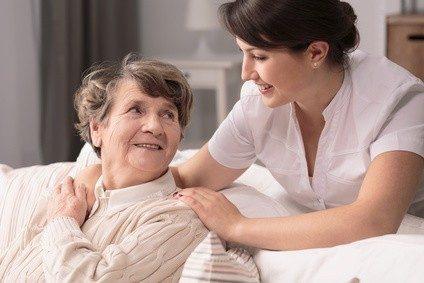 Der Bedarf an ausgebildeten Fachkräften in der Pflege steigt und steigt.